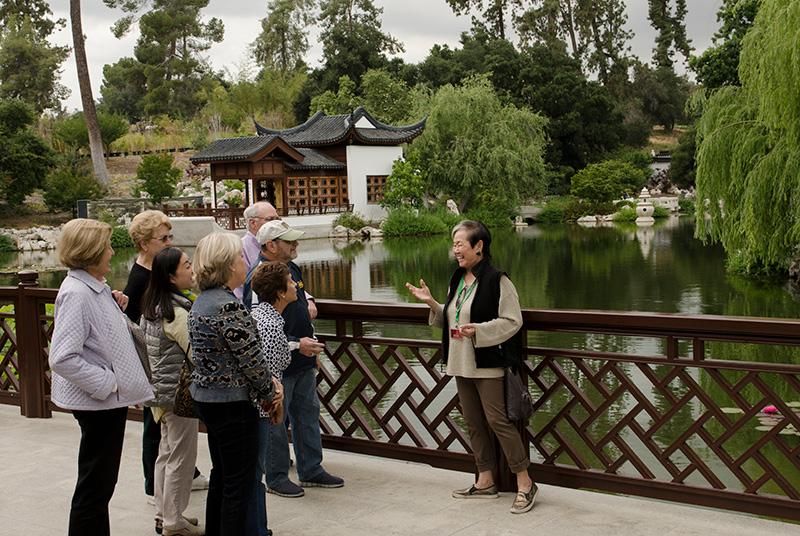 Docents Chinese Lake